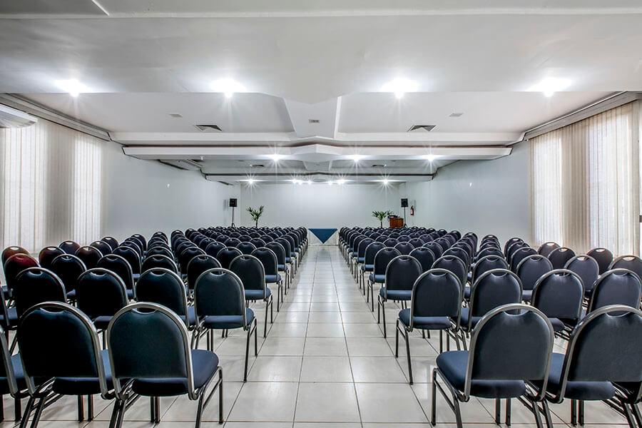 Sala Paraná para eventos e reuniões empresariais no Olinda Hotel e Eventos em Toledo - PR