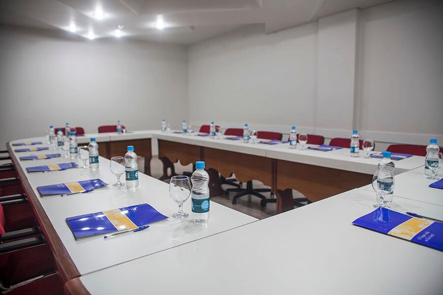 Sala Toledo para eventos e reuniões empresariais no Olinda Hotel e Eventos em Toledo - PR